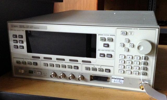 hp-agilent-83620B-swept-signal-generator.JPG